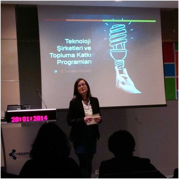Dijital teknolojiler ve şirketlerin topluma katkıları etkinliğine